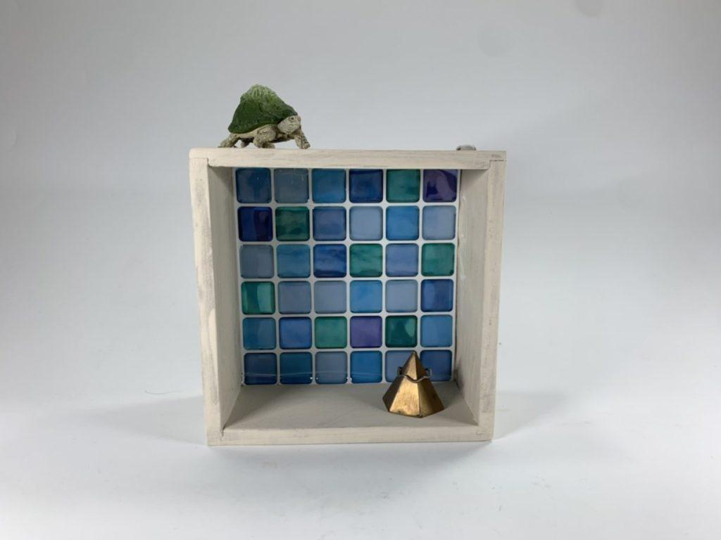 インテリア木製ボックス×タイルシールでウォールボックス