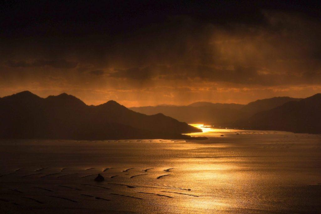 宮島の夕陽の様子